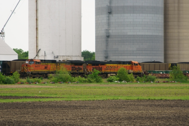 BNSF freight in central Illinois