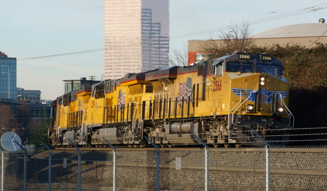 Southbound Union Pacific freight leaving Portland.