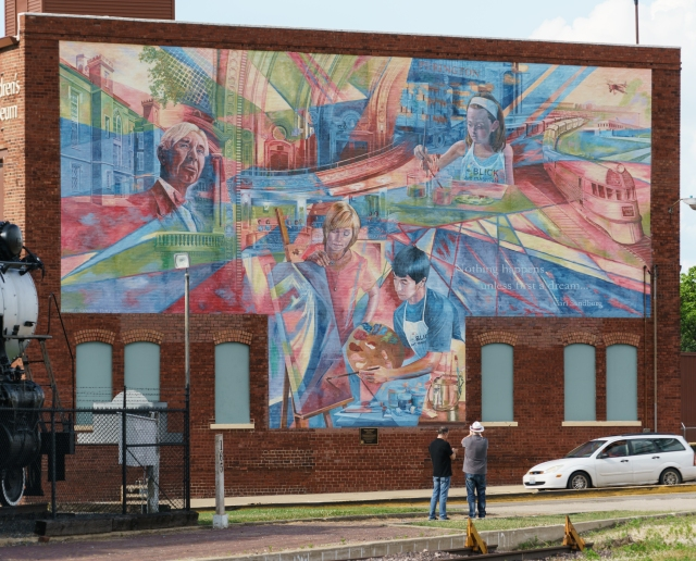 'Community' mural in rural Galesburg, Illinois